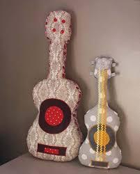 Atelier couture pour enfants à Juvisy guitare en tissu